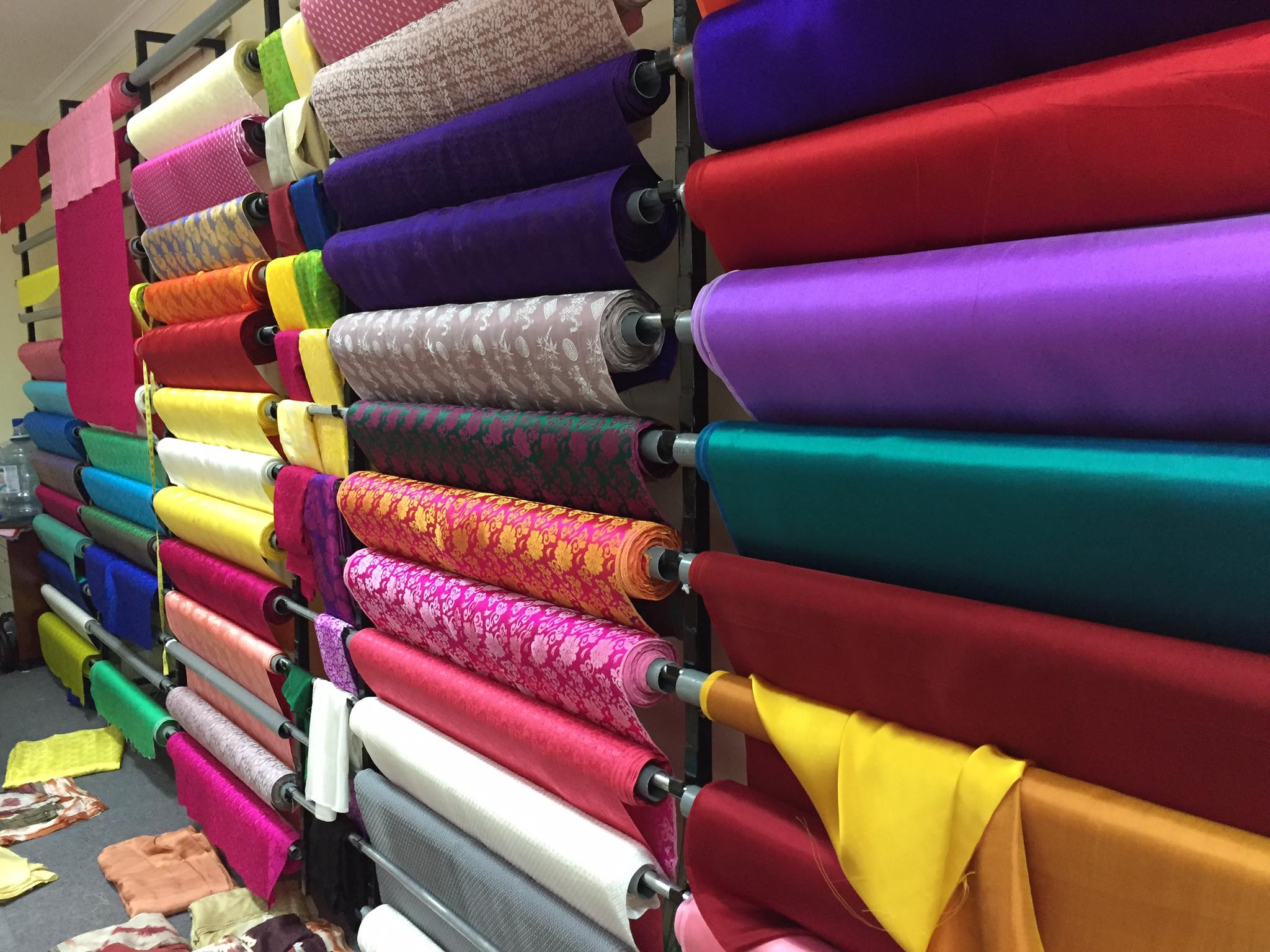 Giá lụa tơ tằm bao nhiêu một mét?