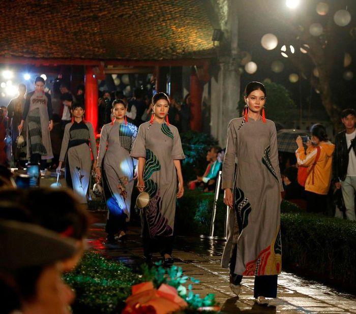 Sự kiện nhằm quảng bá mạnh mẽ hơn nữa hình ảnh áo dài Việt Nam với thế giới